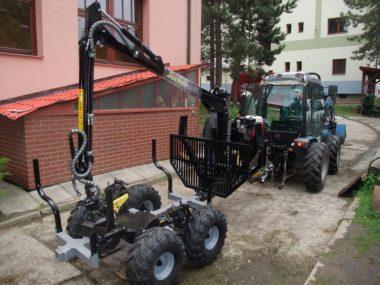 Vyvážačka Vahva Jussi 400 za malotraktor